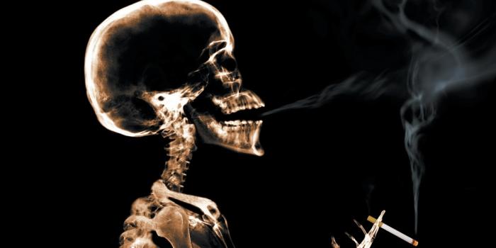 Controversial campaña anti-tabaco