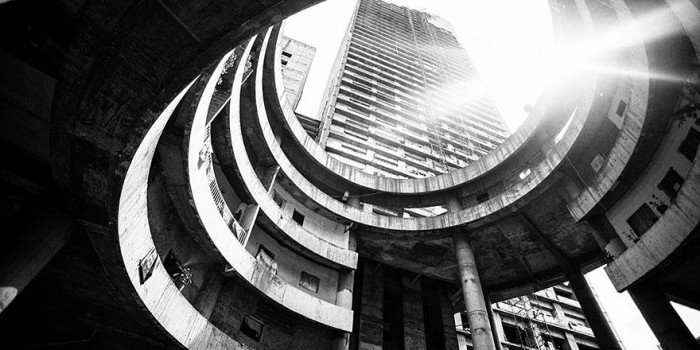Una torre abandonada se convierte en el tugurio más alto del mundo